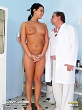 Carmen gets her pussy gaped in gyno office